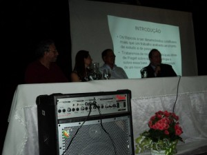 Foto da mesa de abertura do primeiro congresso de epistemologia genética da região amazônica